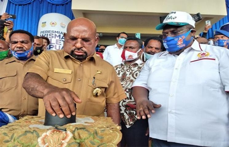 IDM Institute Beri Gelar Lukas Enembe Sebagai Bapak Pembangunan Olahraga Papua